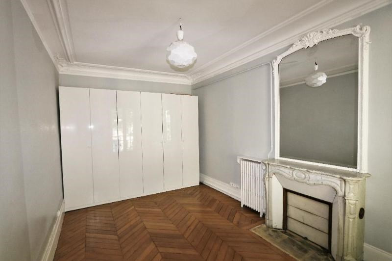 Location appartement Paris 8ème 3 200€ CC - Photo 3