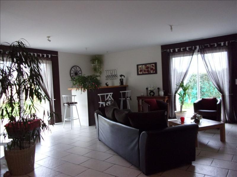 Sale house / villa La foye monjault 191000€ - Picture 1