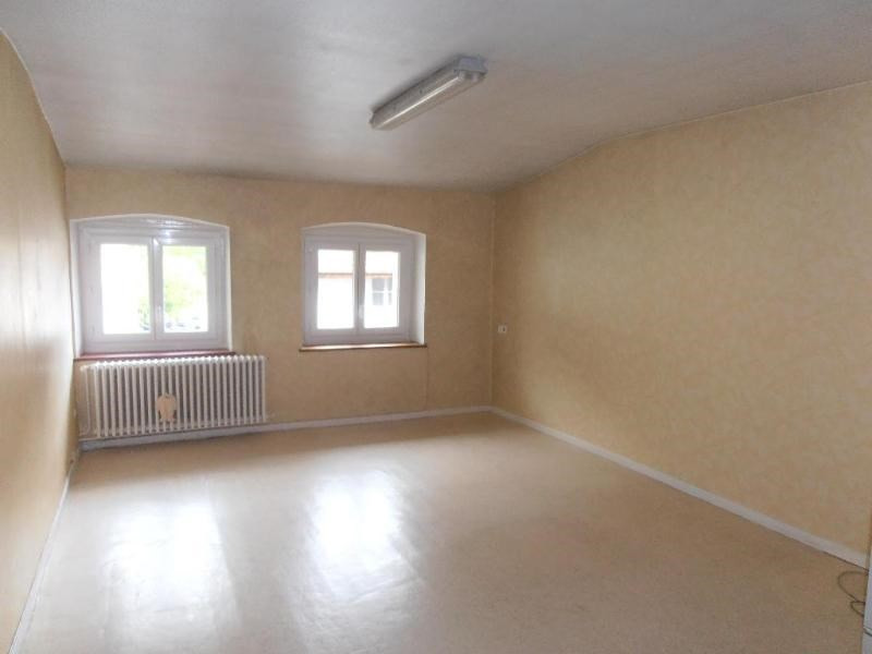 Location appartement Nantua 360€ CC - Photo 1