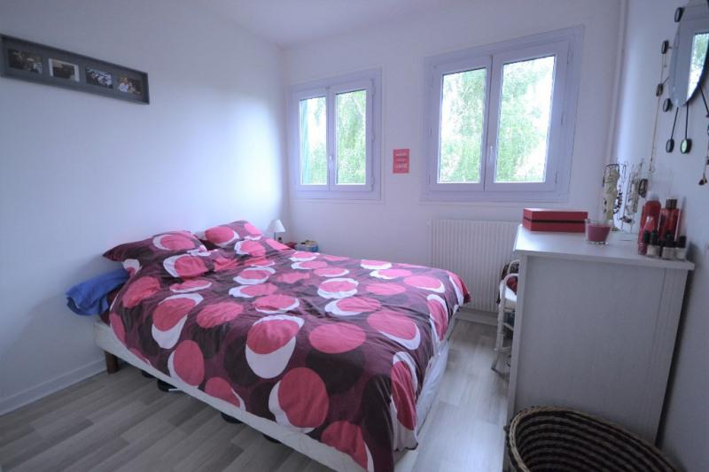 Rental apartment Maurepas 730€ CC - Picture 5