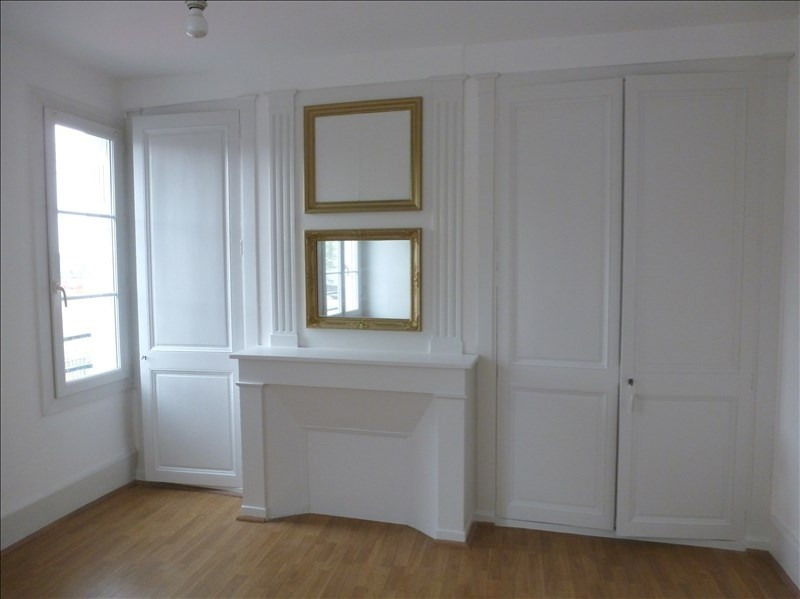 Location appartement Chatellerault 353€ CC - Photo 2