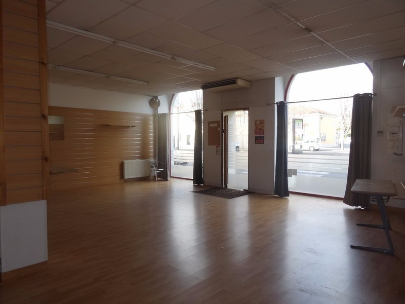 Vente fonds de commerce boutique Romans-sur-isère 98 000€ - Photo 2