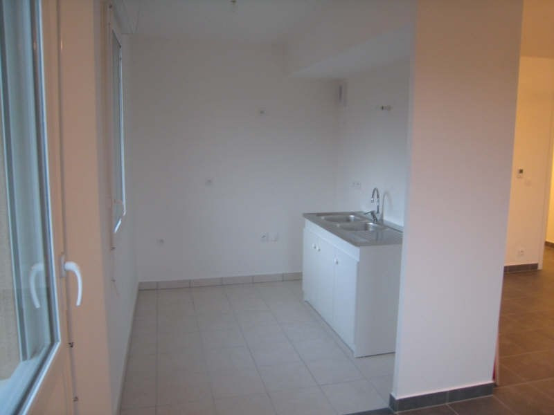 Rental apartment Osny 1100€ CC - Picture 2
