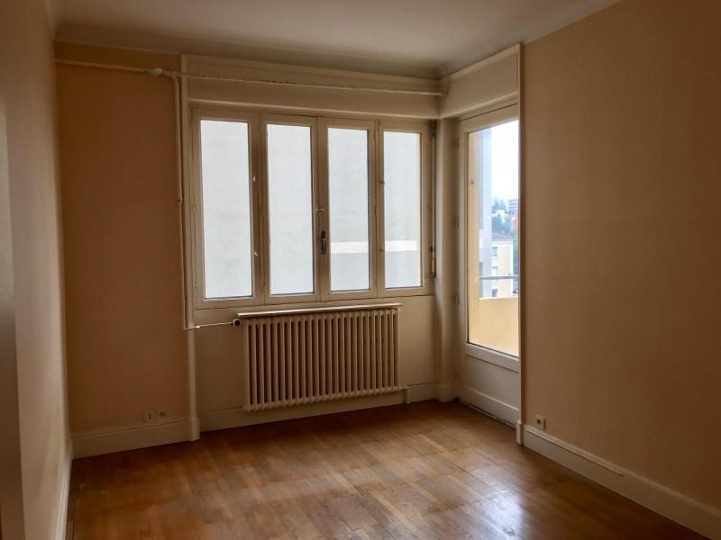 Location appartement Villefranche 854,42€ CC - Photo 6