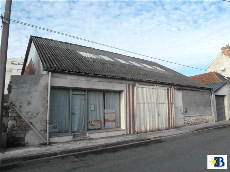 Location local commercial Chatellerault 750€ HT/HC - Photo 1