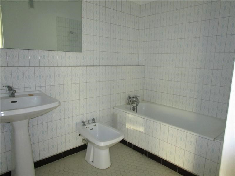 Rental apartment Quartier revolution 830€ CC - Picture 10