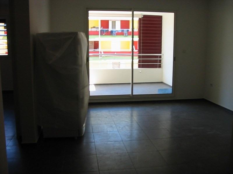Location appartement Sainte clotilde 570€ CC - Photo 2