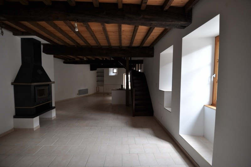 Location maison / villa St chef 680€ +CH - Photo 2