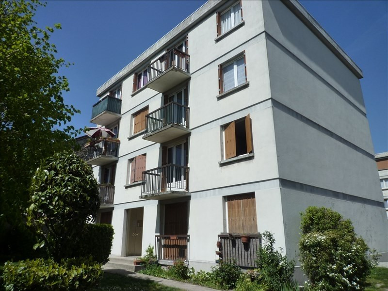Rental apartment Gagny 890€ CC - Picture 1