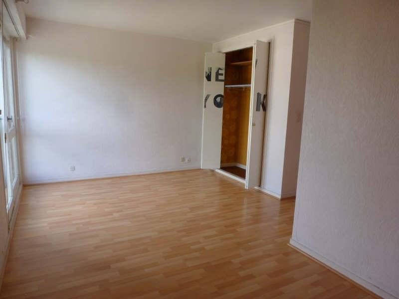 Rental apartment Maurepas 633€ CC - Picture 2