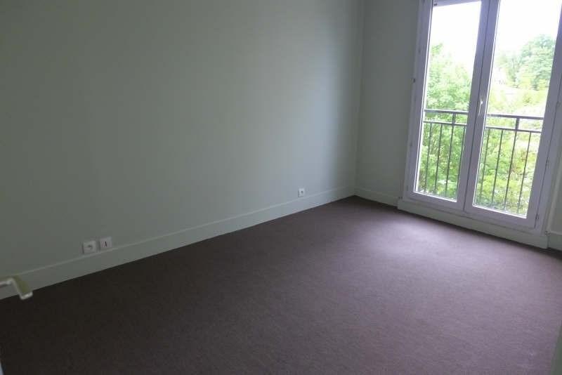 Location appartement La celle st cloud 1517€ CC - Photo 3