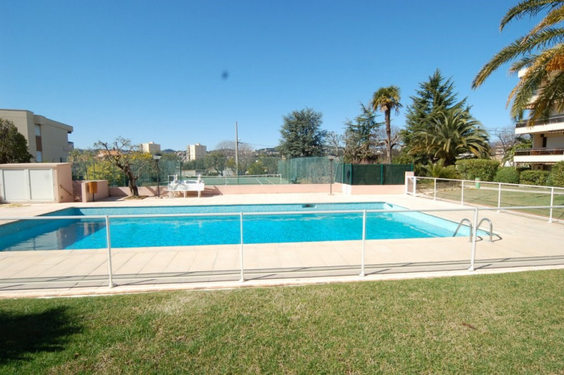 Sale apartment Antibes 294000€ - Picture 1