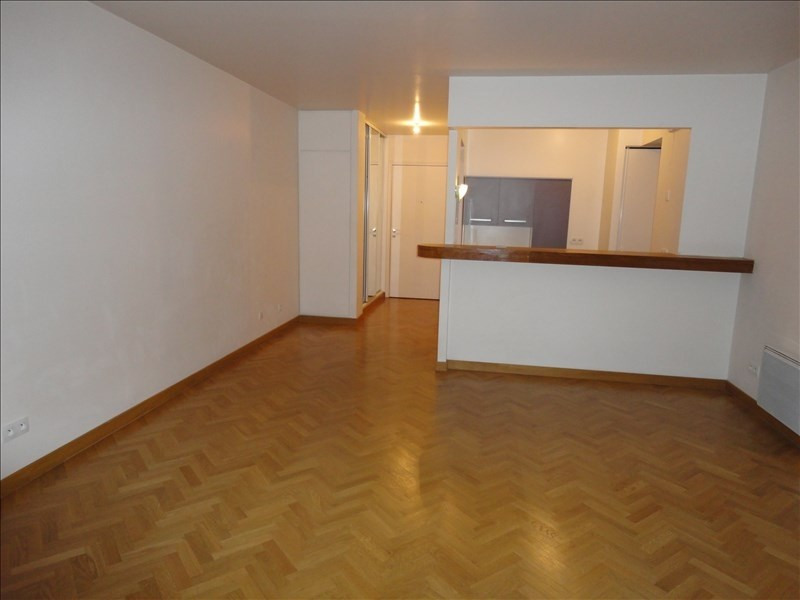 Location appartement Antony 831€ CC - Photo 2