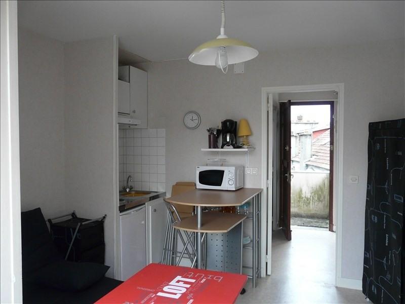 Rental apartment Pau 330€ CC - Picture 1