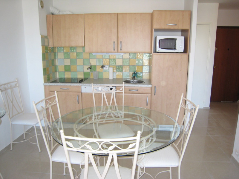 Vacation rental apartment Cavalaire sur mer 450€ - Picture 3