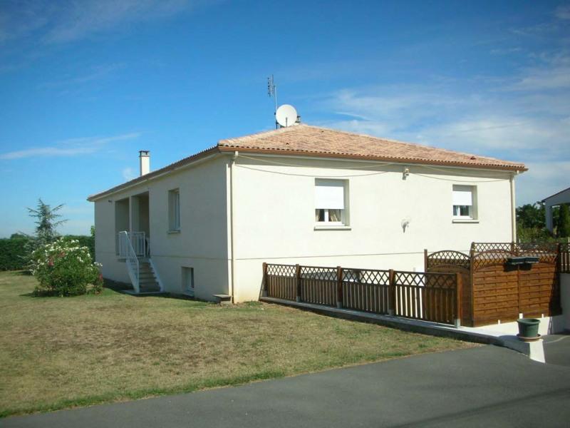 Sale house / villa Le chay de saujon 399000€ - Picture 1