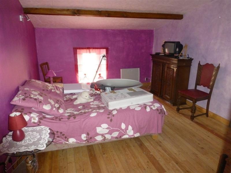 Sale house / villa Saint-jean-d'angély 139000€ - Picture 4