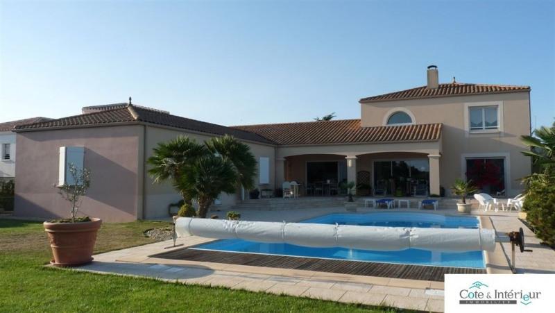 Deluxe sale house / villa Talmont st hilaire 699000€ - Picture 2