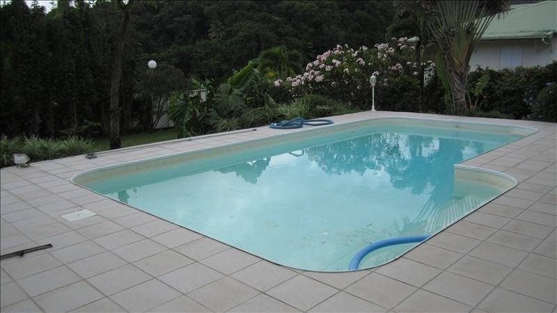 Sale house / villa St claude 300000€ - Picture 5