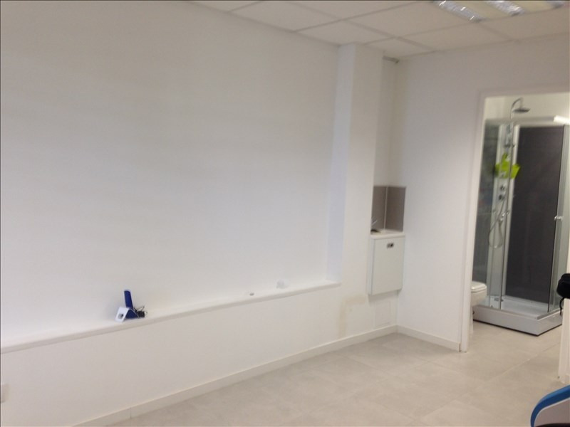 Location local commercial St andre 1 081€ HT/HC - Photo 2