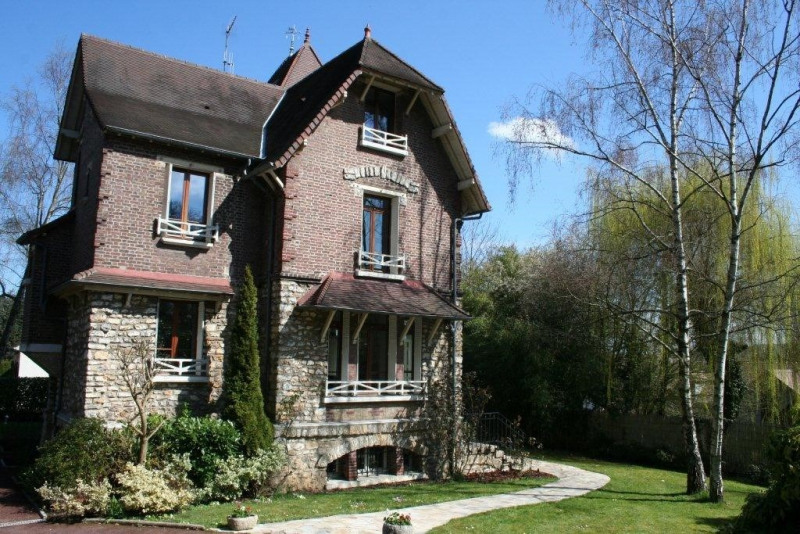 Sale house / villa Piscop 645000€ - Picture 1