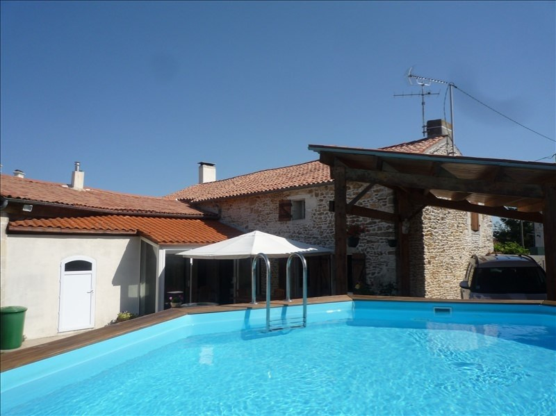 Sale house / villa Champdolent 212000€ - Picture 1
