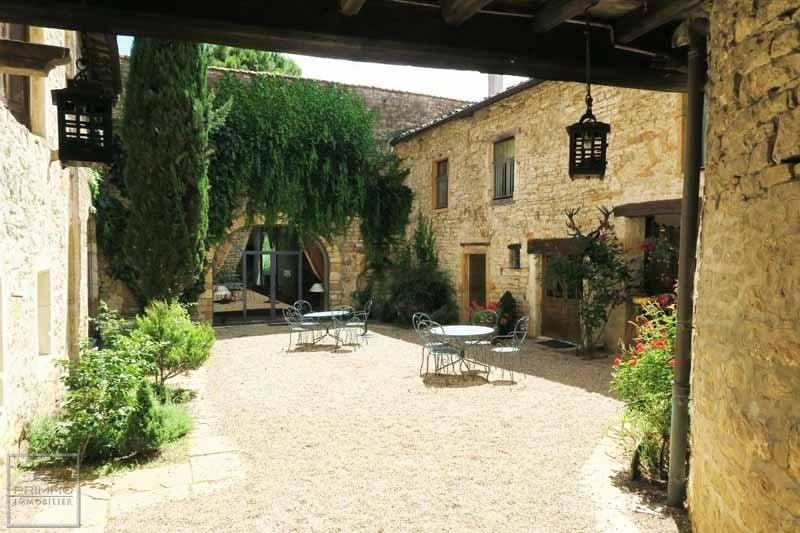 Deluxe sale chateau Chazay d'azergues 2496000€ - Picture 2
