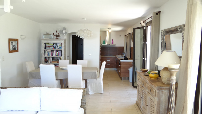 Vacation rental house / villa Cavalaire sur mer 2 500€ - Picture 4
