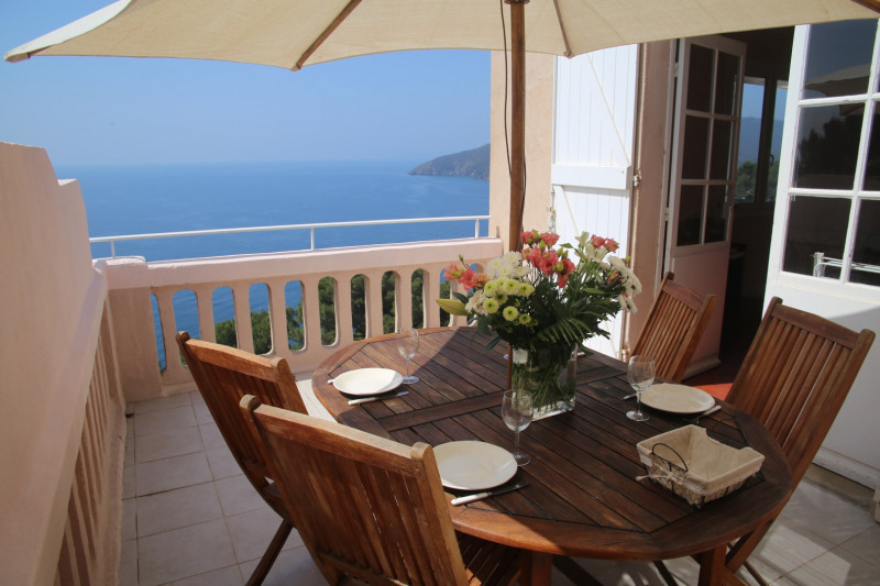 Vacation rental apartment Cavalaire 900€ - Picture 1