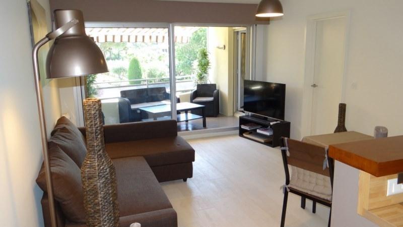 Location vacances appartement Cavalaire 800€ - Photo 11