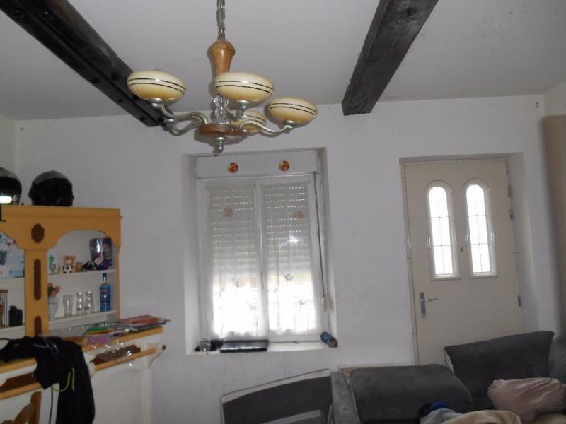 Sale house / villa Songeons 147000€ - Picture 2