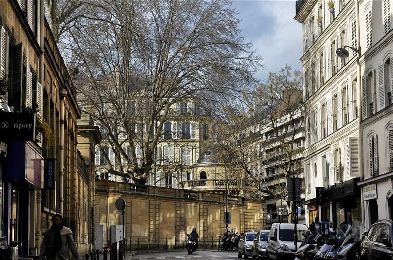 Location appartement Paris 8ème 2260€ CC - Photo 3