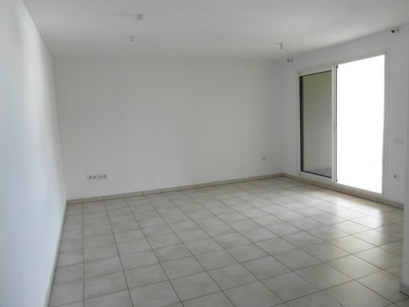 Sale apartment St denis 140 000€ - Picture 2