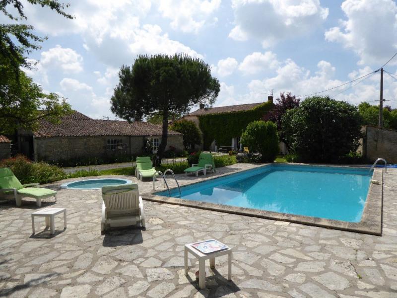 Deluxe sale house / villa Saint medard d aunis 682500€ - Picture 1