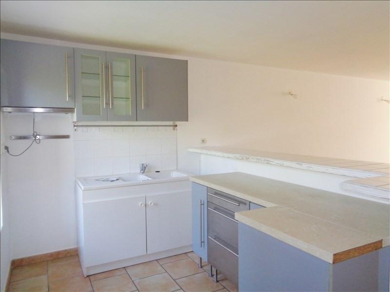 Rental apartment Crau 738€ CC - Picture 2