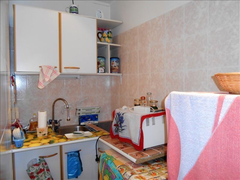 Sale apartment Le golfe juan 76400€ - Picture 2