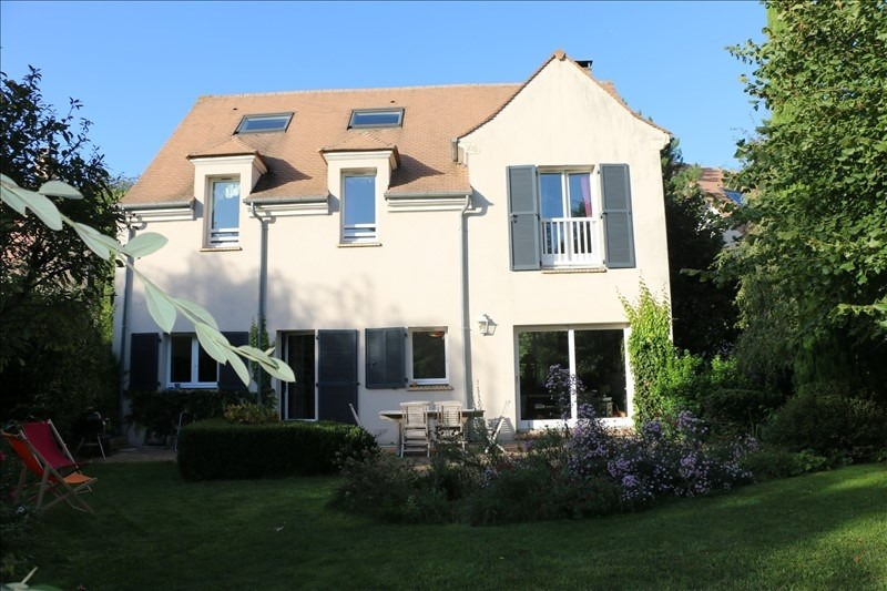Sale house / villa Feucherolles 720 000€ - Picture 1