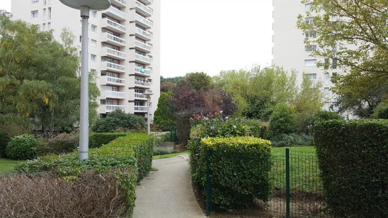 Sale apartment Evry 130 000€ - Picture 1