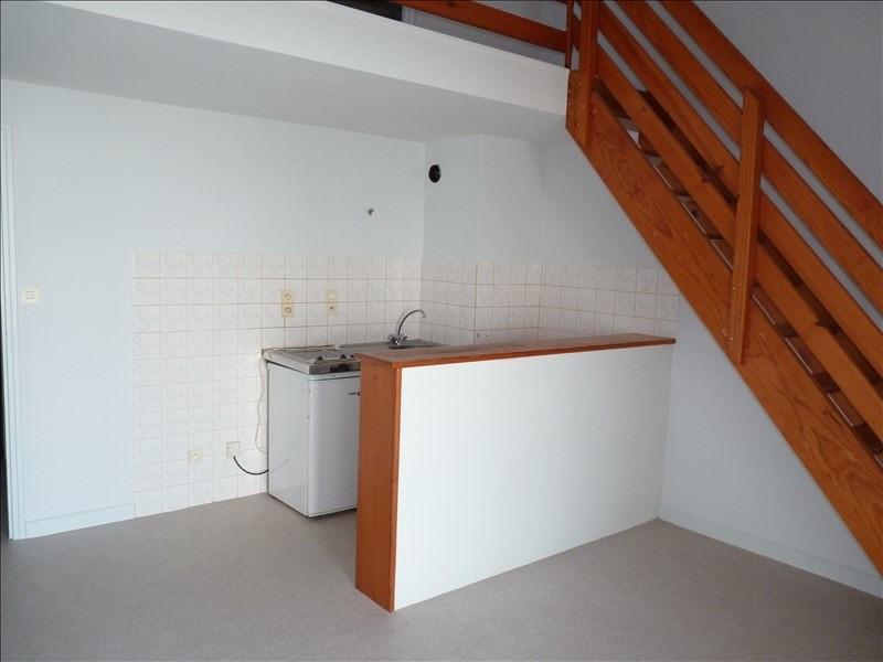 Location appartement La roche sur yon 375€ CC - Photo 1