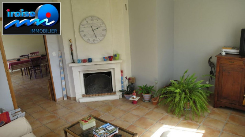 Sale house / villa Guilers 284 600€ - Picture 2