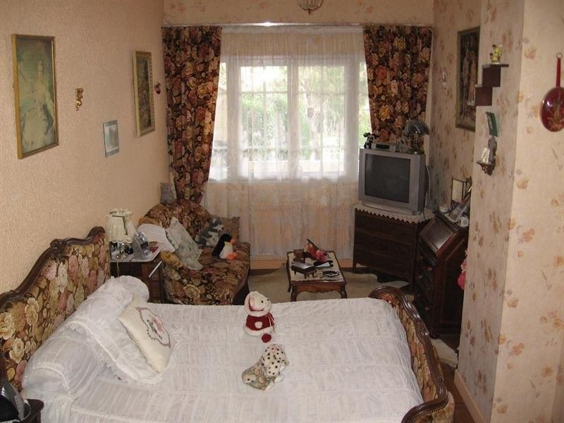 Sale house / villa Montguyon 144000€ - Picture 8