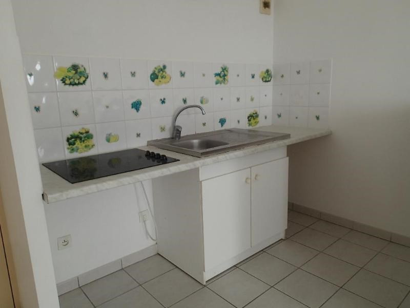 Rental apartment Fort de france 618€ CC - Picture 7