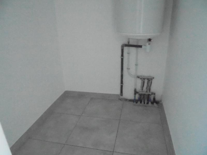 Location appartement Lunel 650€ CC - Photo 3