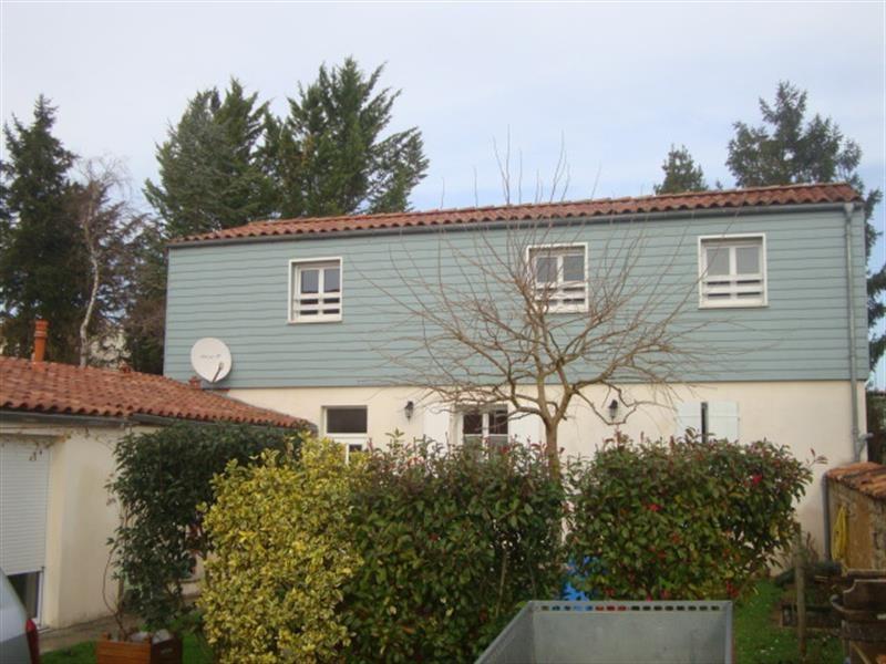 Vente maison / villa Saint-jean-d'angély 199000€ - Photo 1