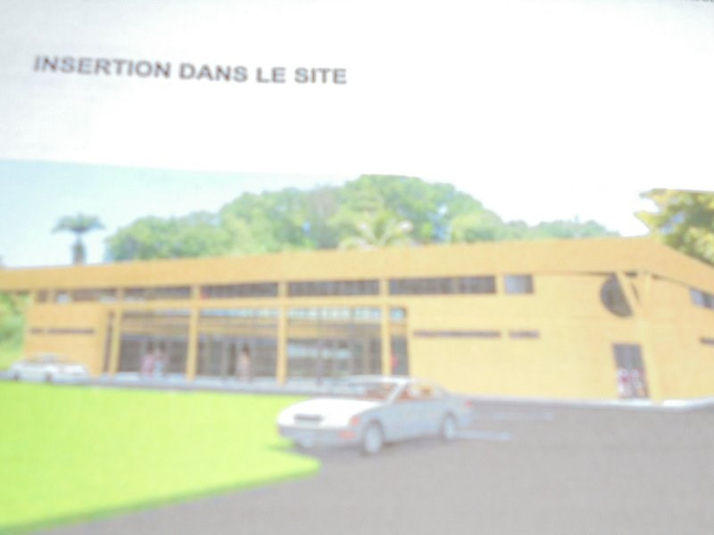 Location local commercial Les abymes 2850€ CC - Photo 1