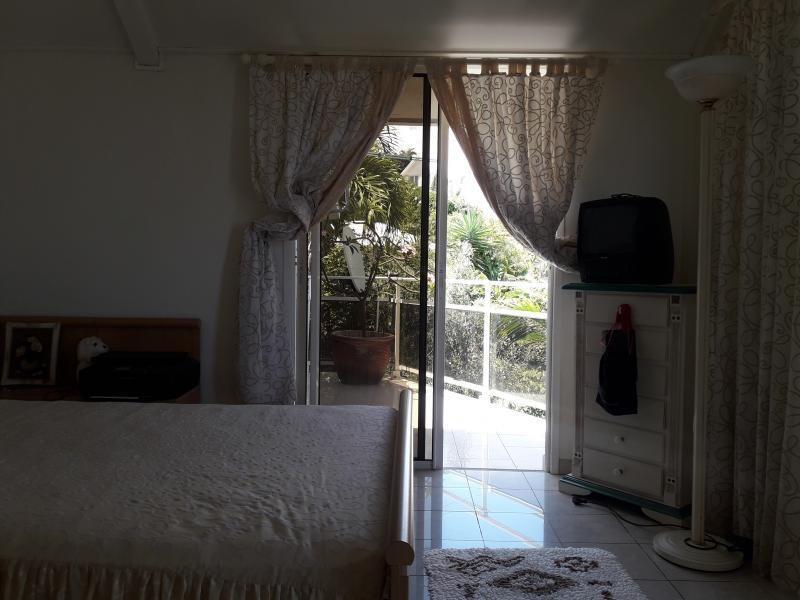 Sale house / villa La possession 420000€ - Picture 4