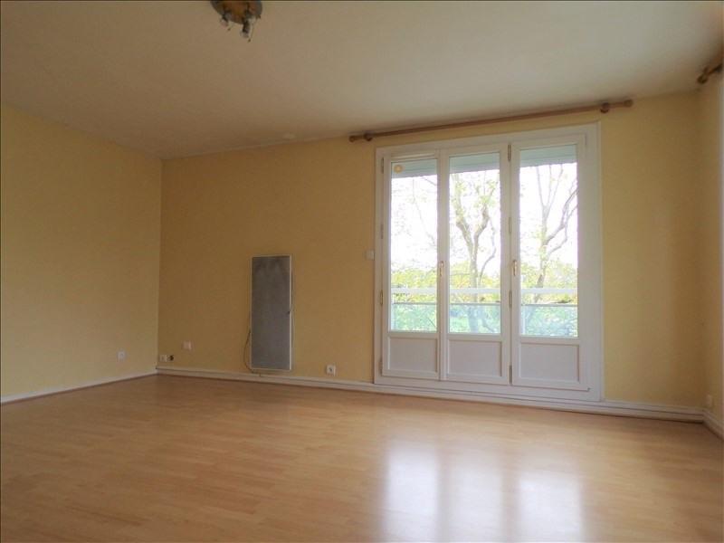 Location appartement Montigny le bretonneux 1005€ CC - Photo 2