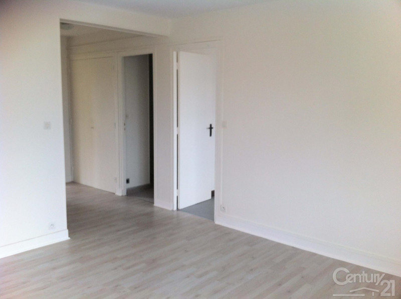 Location appartement Ifs 420€ CC - Photo 1