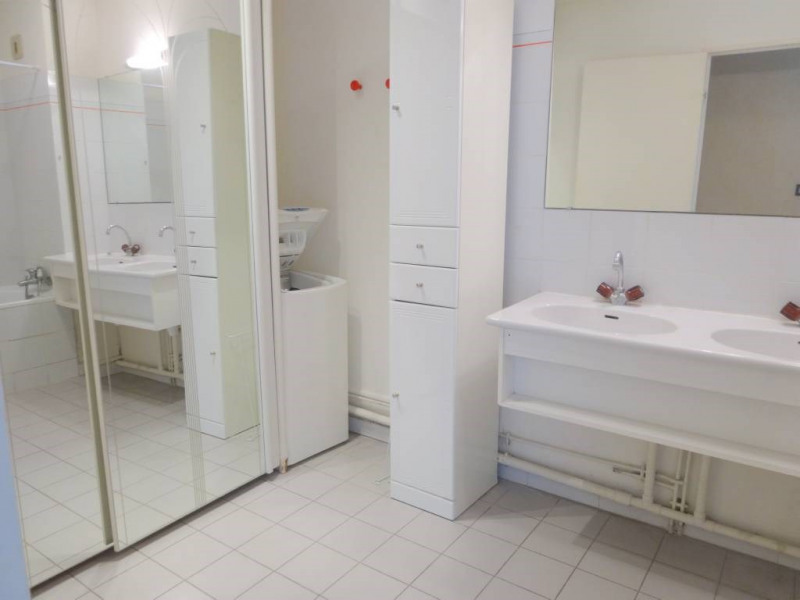 Location appartement Les angles 770€ CC - Photo 6