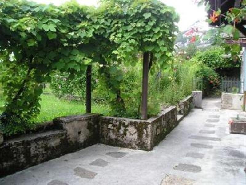 Vente maison / villa Nantua 110000€ - Photo 2